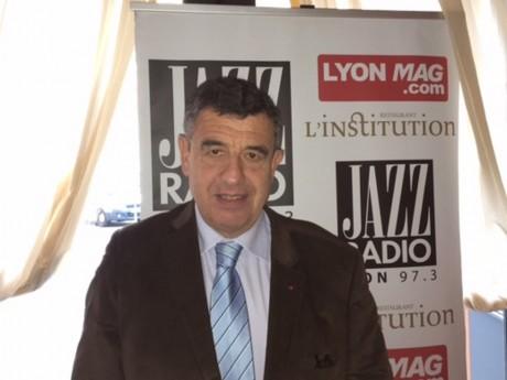 (c) LyonMag