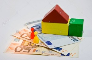 maison-en-construction-et-de-credit-la-hausse-des-taux-d-interet-sur-les-prets-hypothecaires-et-crise-de-l-immobilier-awn1rh-2